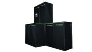 Die Greenrock-Speicherlösung ist kaskadierbar von 5 bis 30 kWh. Im Bild ist ein Achterblock zu sehen.