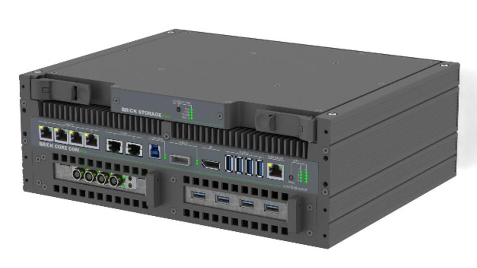 Der Datenlogger BRICKplus mit der Speichereinheit BRICK Storage von b-plus.