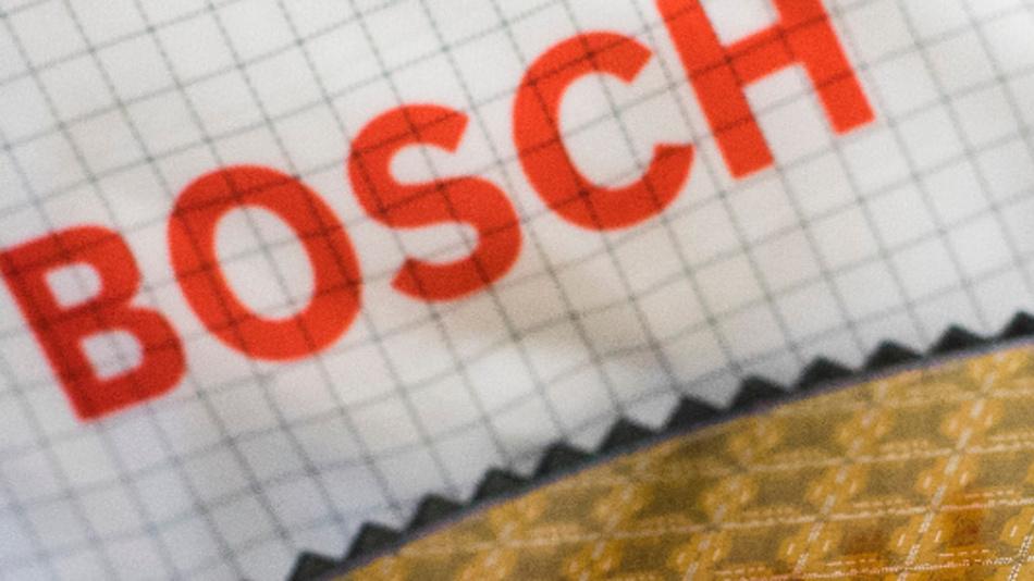 Bosch hat den Grundstein für seine neue Halbleiterfabrik in Dresden gelegt, wo erstmals in in 300-Millimeter-Technologie gefertigt wird. Halbleiter sind die Schlüsseltechnologie für die Automobilindustrie.