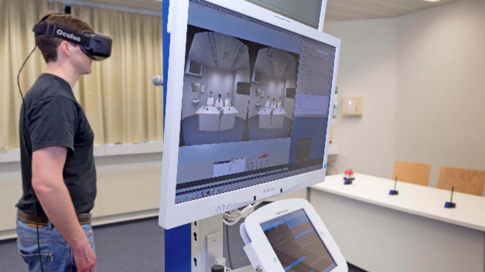 VR-Technik für die psychologische Untersuchung: An der Universität Trier wird im VR-Simulator eine Gesprächssituation nachgestellt.