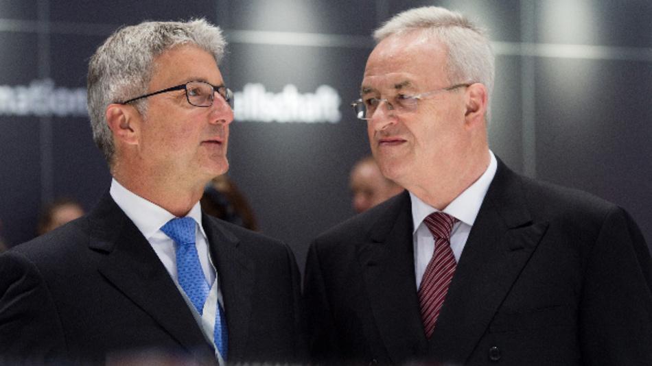 Rupert Stadler (links) und Martin Winterkorn (rechts) bei einer vergangenen Hauptversammlung von Volkswagen.