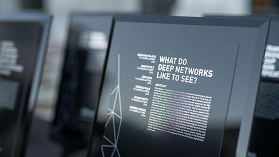 Mit ihrer Arbeit verfolgen die Forscher aus Karlsruhe einen neuen Ansatz, um die inneren Vorgänge in einem neuronalen Netz zu verstehen.