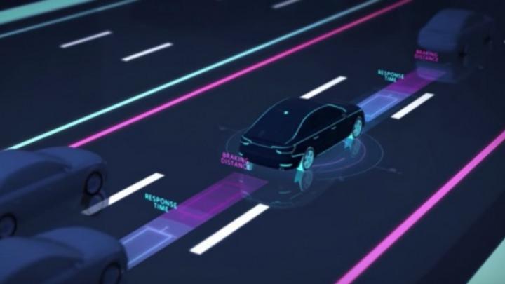 Visualisierung von Fahrzeugen auf Autobahn mit Sicherheitsabstand