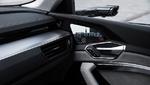 Virtueller Außenspiegel und Display im Inneren des Audi e-tron