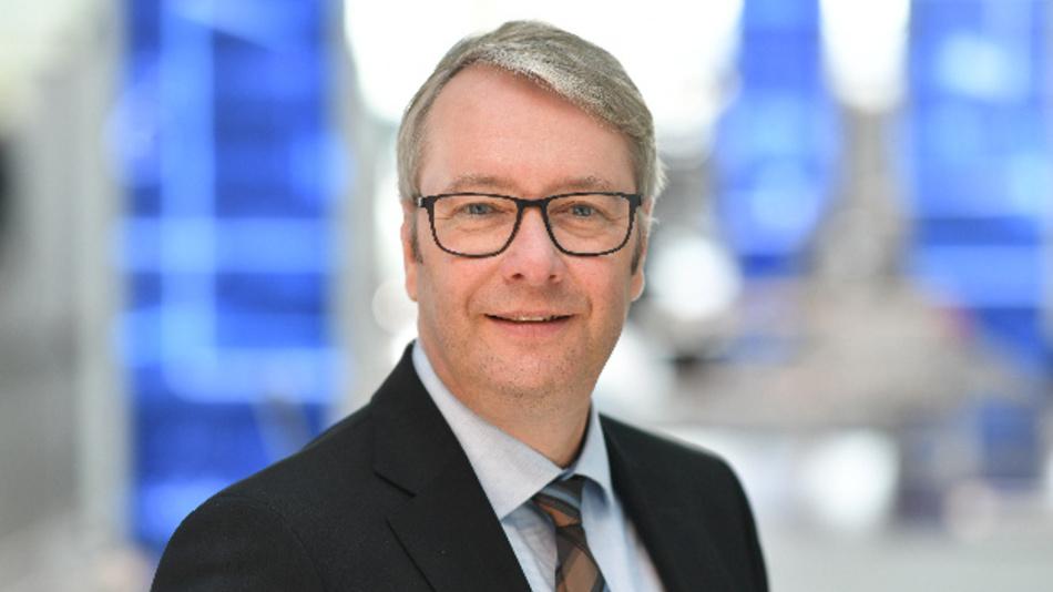 Stefan Sommer wird als VW-Vorstand nicht nur für die Beschaffung, sondern auch für die Komponentenwerke zuständig sein, zu denen weltweit 56 Fabriken (darunter für Getriebe, Motoren und Fahrwerkelemente) mit rund 80.000 Beschäftigten zählen.