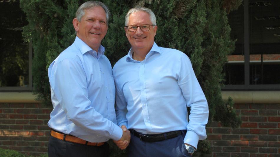 Rudy Van Parijs wurde zum Präsidenten der Avnet Abacus ernannt. Er übernimmt diese Position von Nigel Ward (rechts).