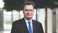 Adalbert M. Neumann ist Vorsitzender der Geschäftsführung der Busch-Jaeger Elektro GmbH.