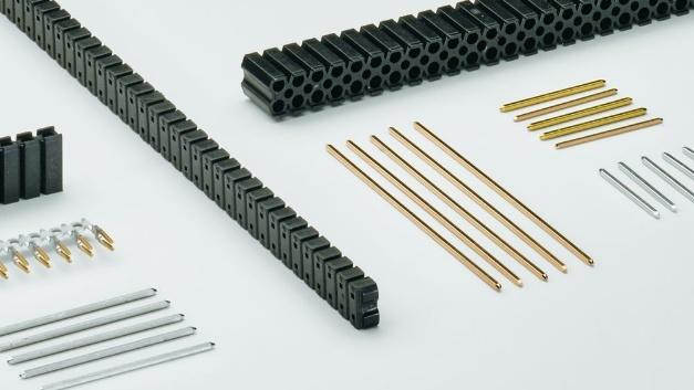 Bild 1. Bei den nach DIN EN 60603-13 standardisierten Steckverbindern ist die Maßhaltigkeit der Verbindungselemente gewährleistet, aber die Hersteller verwenden dabei unterschiedliche Kontaktmaterialien und Kunststoffe für die Isolierkörper.