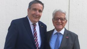 Thomas Bürkle (l.), neu gewählter Vorsitzender des Unternehmerverbandes Handwerk Baden-Württemberg, mit seinem Vorgänger Dr. Harry Brambach (r.).