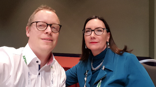 Our editor Ralf Higgelke met Stephanie Watts Butler (right), Technology Innovation Architect for High Voltage Power Products at TI, at APEC.