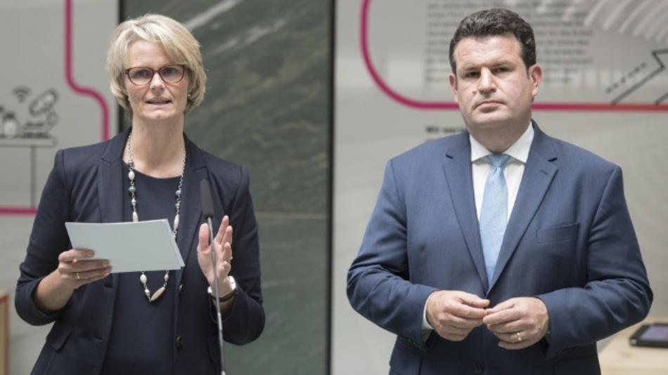 Bundesministerin Anja Karliczek und Bundesminister Hubertus Heil haben in Berlin die Eckpunkte der Bundesregierung für eine Strategie Künstliche Intelligenz vorgestellt