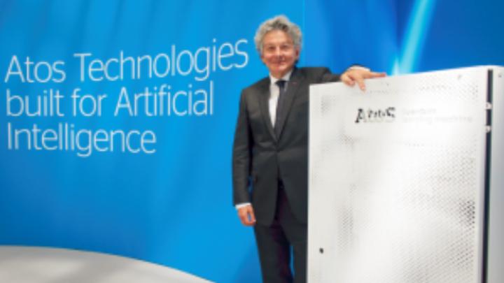 Thierry Breton, CEO von Atos, auf den Atos Technology Days, wo er die neuste Version des Quantensimulators Atos Quantum Learning Machine (Atos QLM) vorstellte. Sie kann 41 QBits simulieren.