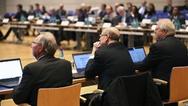 Weltweit arbeiten Normungs-Experten daran, Ethik in autonome und intelligente Systeme fest zu verankern. Initiiert wurde das internationale Forum OCEANIS von VDE|DKE und IEEE
