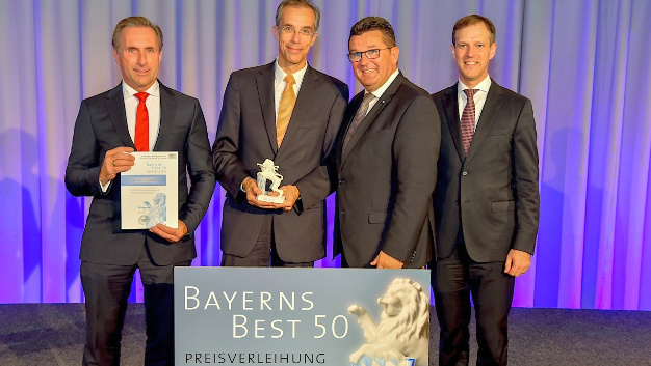 Die Lacon Gruppe ist vom bay. Staatsministerium in Bayerns Best50 gewählt worden; die Auszeichnung entgegen nahm Dr. Ralf Hasler, CEO der Lacon Gruppe (im Bild zweiter von links)