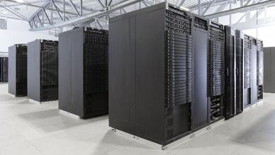 Der Höchstleistungsrechner JUWELS des Forschungszentrums Jülich. Das im Frühjahr 2018 von der französischen IT-Firma Atos gemeinsam mit den Softwarespezialisten der deutschen Firma ParTec gelieferte Cluster-Modul ist mit Intel Xeon 24-Core Skylake CP