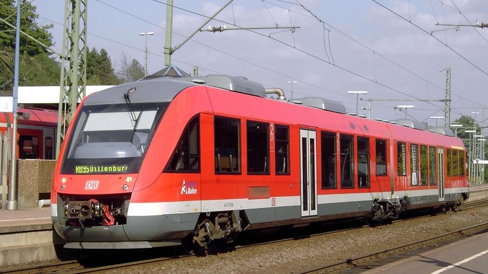 Treibwagen LINT 648 in einer Ausführung der Drei-Länder-Bahn.
