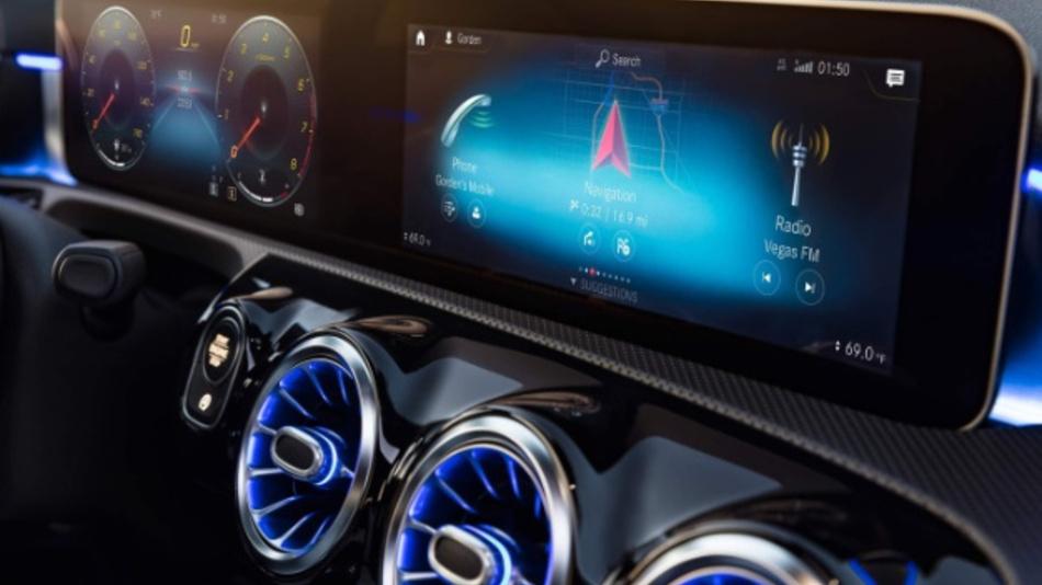 So könnte die neue MBUX-Plattform in der Mercedes A-Klasse aussehen.