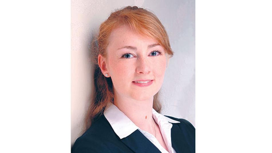 Bild 2. Stefanie Kölbl, Leiterin des smartPCN-Arbeitskreises der COG: »Der inzwischen in der Version 3.0 vorliegende smartPCN-Standard minimiert nicht nur den manuellen Aufwand für die Bearbeitung von Produktänderungen und -abkündigungen. Er unterstützt auch den Aufbau eines digitalen Obsoleszenz-Managements.«
