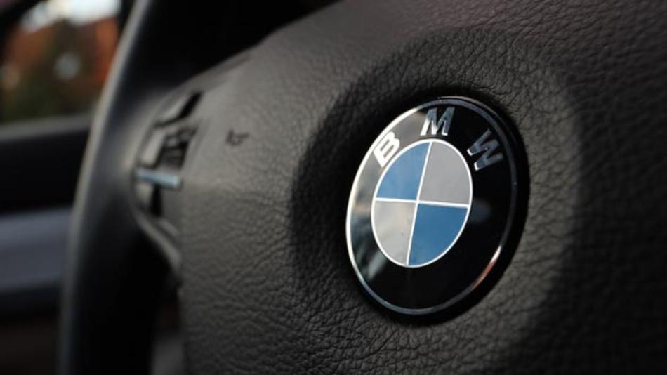 BMW 525 Vierzylinder-Dieselmotor. BMW ruft in Europa 324.000 Autos wegen möglicher Brandgefahr zurück.