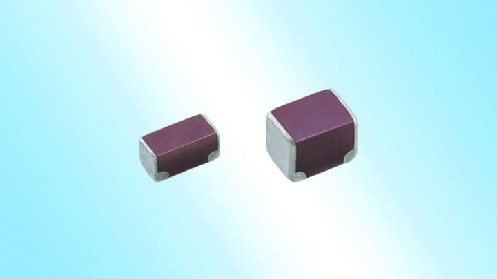 Die TDK Corporation hat MLCCs mit Soft-Terminierung und geringem ESR entwickelt. Eine Schicht aus leitfähigem Kunstharz auf den Anschluss-Elektroden sorgt bei der neuen CN-Serie für eine hohe mechanische Robustheit zum Schutz vor Leiterplattenverwind