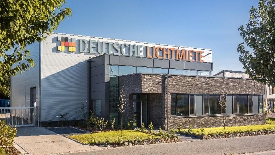 Bürogebäude und Produktionsstätte der Deutsche Lichtmiete Unternehmensgruppe in Oldenburg.