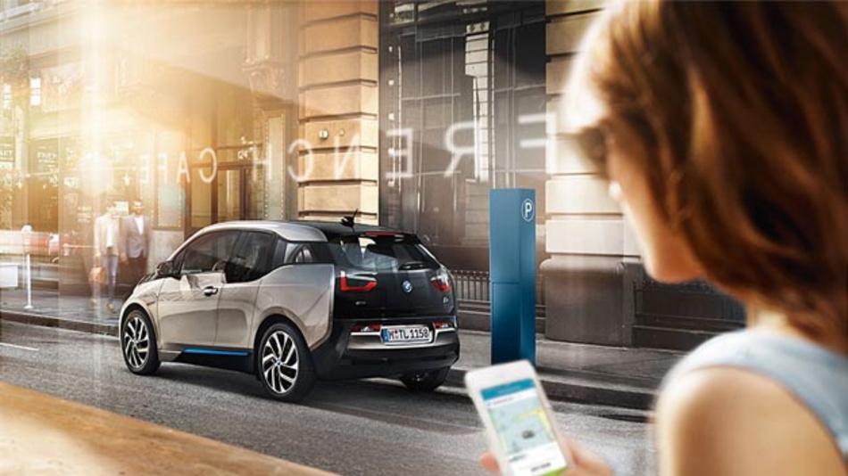 Alphabet und ParkNow kooperieren ab sofort. Alphabet-Kunden, die den digitalen Parkservice nutzen, erhalten zukünftig auch automatisch einen Geschäftsaccount von ParkNow.