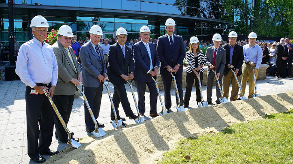 Symbolischer Spatenstich für den Bau einer neuen Zentrale in Wilmington, Massachusetts