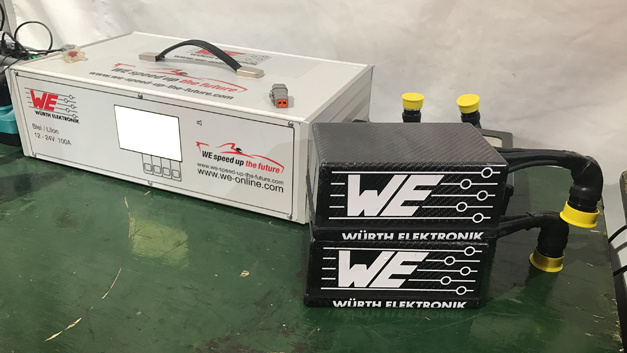 Battery and battery charger: Würth Elektronik eiSos and Abt Sportsline jointly developed a power supply in the cockpit.