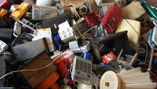 Neuregelung beim Recycling Wenn Blinkschuhe zu Elektroschrott werden