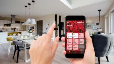 Funktionen des OPUS Smart-Home-Systems bequem mit der Apple Home App oder über Sprachbefehl an Siri steuern: Die Zertifizierung des OPUS SmartHome Gateway für Apple HomeKit macht's möglich.