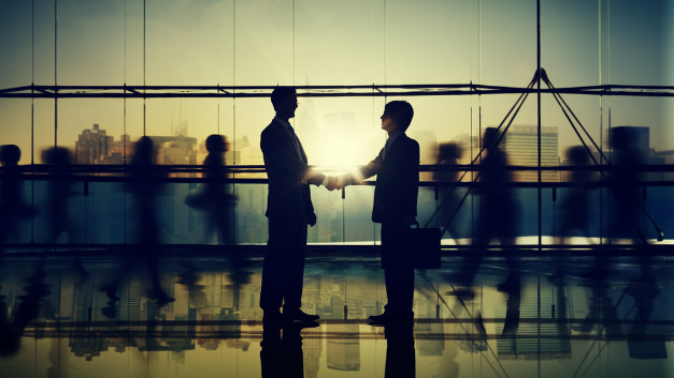 Für eine gute Stimmung im Betrieb sollten Führungskräfte ihren Mitarbeitern Respekt und Wertschätzung entgegenbringen.