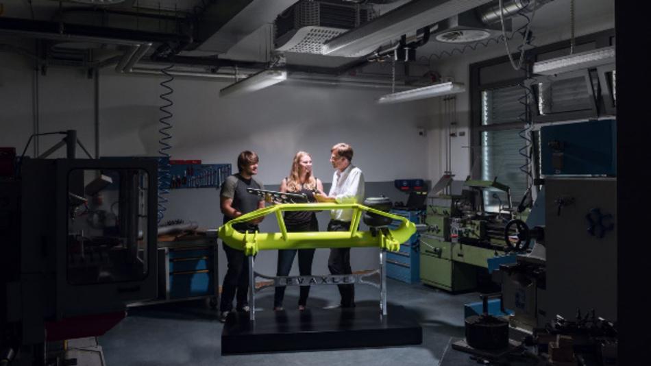 Ingenieure der Göttinger Fakultät Naturwissenschaften und Technik der HAWK Hochschule Hildesheim/Holzminden/Göttingen haben die leichte 9 t-Lkw-Achse entwickelt.