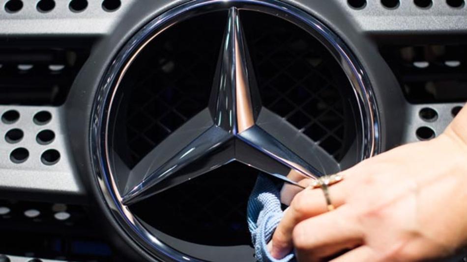 Da hilft auch kein Polieren mehr: Nach dem Rückruf von 690.000 Dieselfahrzeugen weltweit, hat das Sauber-Image des Herstellers Kratzer bekommen.