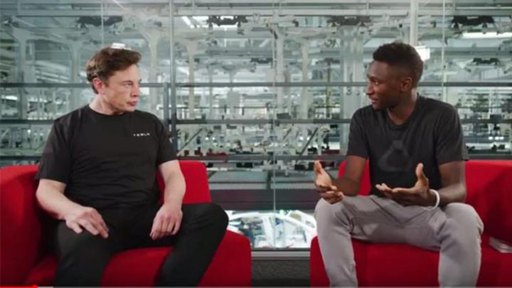 Im Interview verrät Elon Musk, dass er sich ein E-Auto-Modell vorstellen kann, das lediglich 25.000 US-Dollar kosten würde und welche Voraussetzungen dafür erfüllt werden müssen.