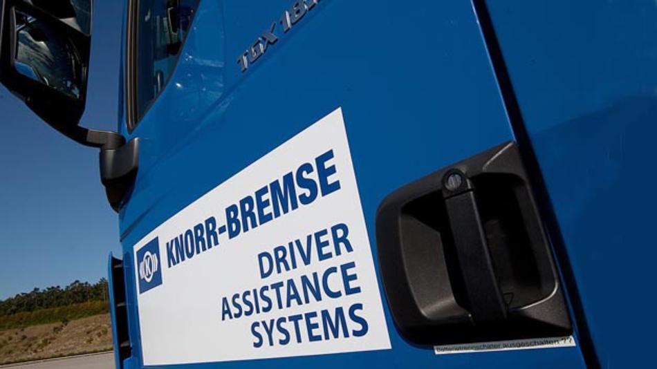 Knorr-Bremse zeigt auf der IAA Nutzfahrzeuge in Hannover einen Lkw-Prototypen, der auf Autobahnen vollständig automatisiert fährt.