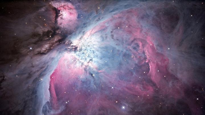 Der Orionnebel ist rund 1.500 Lichtjahre von der Erde entfernt, aufgenommen wurde das Bild in der Sternwarte Weikersheim.