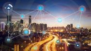 Mit der skalierbaren, sicheren, verwaltbaren und offenen Infrastruktur, die sich vom Edge bis in die Cloud erstreckt, können die Anwender sofort starten und ein Fundament für künftige Workloads und Use Cases legen können.