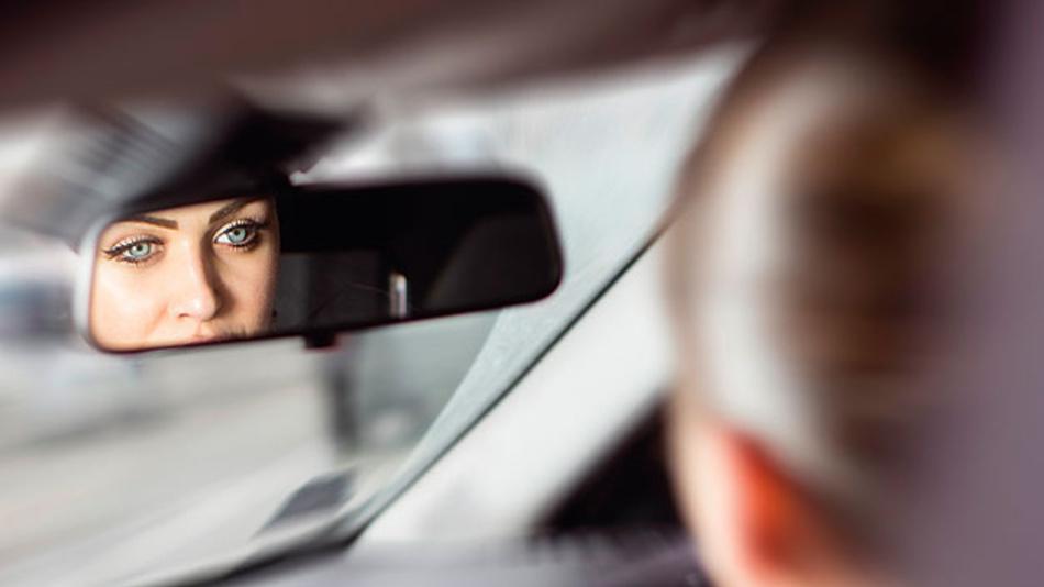 Das kamerabasierte Fahrerzustandssystem träg zur Sicherheit und Komfort im Verkehr bei.