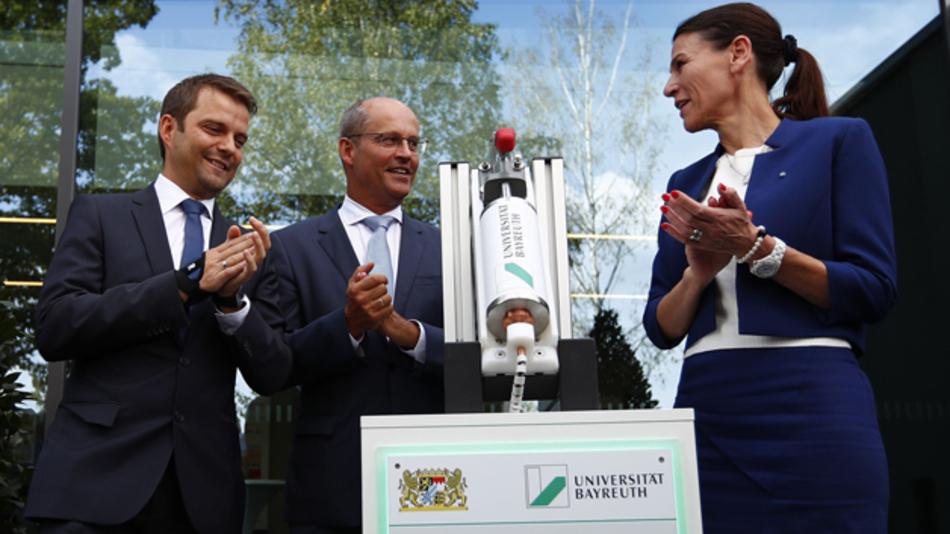 Am 6. September wurde das neue Bayerische Zentrum für Batterietechnik BayBatt in Bayreuth eröffnet.