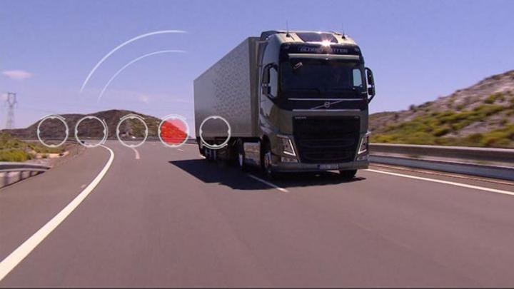 Ein neuer Reifenmanagement-Service misst den Reifendruck und die Reifentemperatur in Echtzeit. Die Ergebnisse lassen sich über eine App nachverfolgen. Auf diese Weise können der Fahrer und der Eigentümer ungeplante Standzeiten vermeiden.