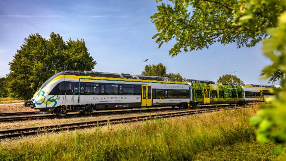 Der batteriebetriebene Prototyp des Personenzuges »Talent3« von Bombardier fährt auf Strecken ohne Oberleitung um 50 % leiser und über die Lebenszeit kostengünstiger als Dieselzüge.