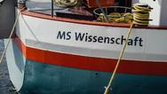 Früher mit Kohle und Containern in ganz Europa unterwegs, heute ein schwimmendes Science Center: Das Ausstellungsschiff MS Wissenschaft.