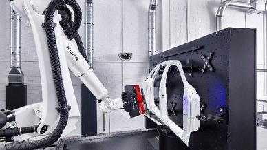 Roboter-Messzelle für Karosserieblechteile, Schuler