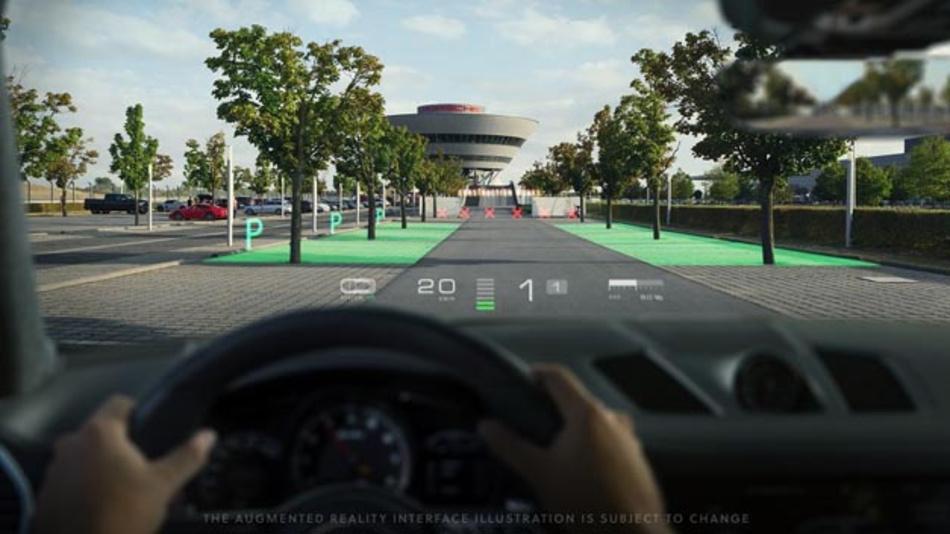 Die Illustration der WayRay-Technologie im Porsche Cayenne zeigt freie Parkplätze in der Windschutzscheibe an.