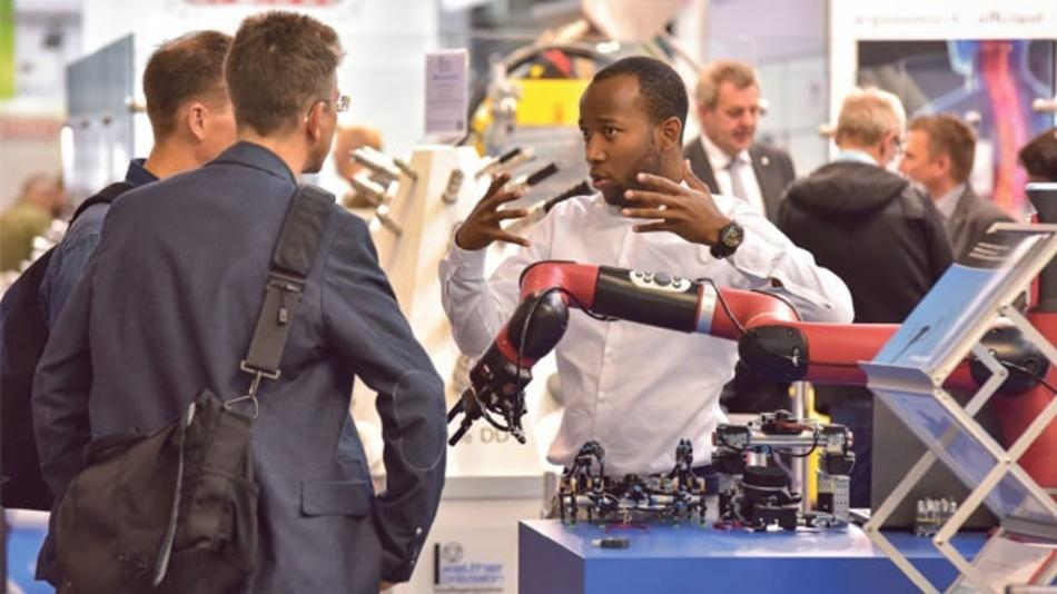 Handhabungsgeräte und Roboter werden künftig neue Fähigkeiten aufweisen müssen, sodass auch Themen wie Machine Learning, digitale Transformation in der Fertigung oder varianten- und stückzahlflexible Montage auf der Motek zu finden sind.