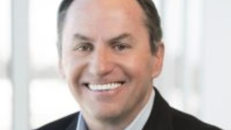 Insgesamt 15 Mrd. Dollar will Bob Swan, CFO und Übergangs-CEO von Intel 2018 in den Ausbau der Fertigung investieren, 1 Mrd. Dollar mehr als ursprünglich beabsichtigt, um den Flaschenhals in der 14-nm-Fertigung zu beheben.
