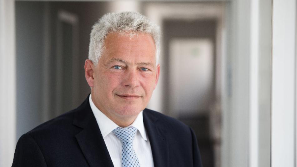 Dr. Heiner Schunk, Sprecher des Bereichsvorstandes von Diehl Metall: »Auf dem Gebiet der Hochvolt-Batterie-Systeme ergänzen sich die vorhandene Technologien und das Know-how von Leoni und Diehl.«