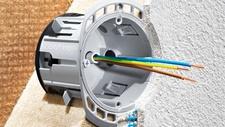 ECON Iso + von Kaiser Erste Elektro-Installationsdose für Holzfaser-Dämmplatten