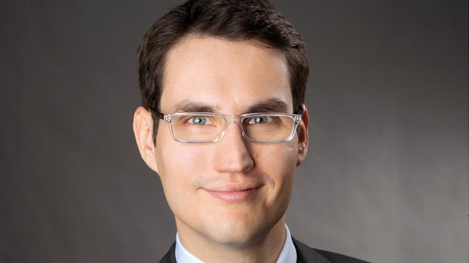 Dr. Jan Renker, Helmut Beyers GmbH »Aufgrund der aggressiven Wettbewerbssituation in der Elektronikindustrie müssen Unternehmen permanent an der Verbesserung ihrer Kostenpositionen arbeiten bei gleichzeitigem Innovationsdruck und schwankender Nachfrage. Nur so bleiben sie wettbewerbsfähig.«