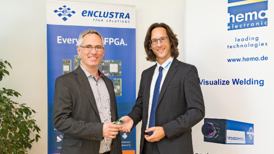 Enclustra-Geschäftsführer Martin Heimlicher (links) und Hema-Electronic Geschäftsführer Oliver Helzle